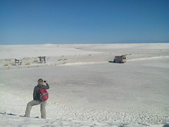 White Sands National Monument - Lesley neemt foto van bus
