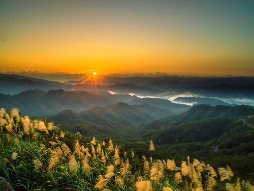 sunrise taiwan taipei autofocus 日出 五分山 flickrbronzetrophygroup