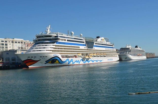 Aida Diva & Viking Star