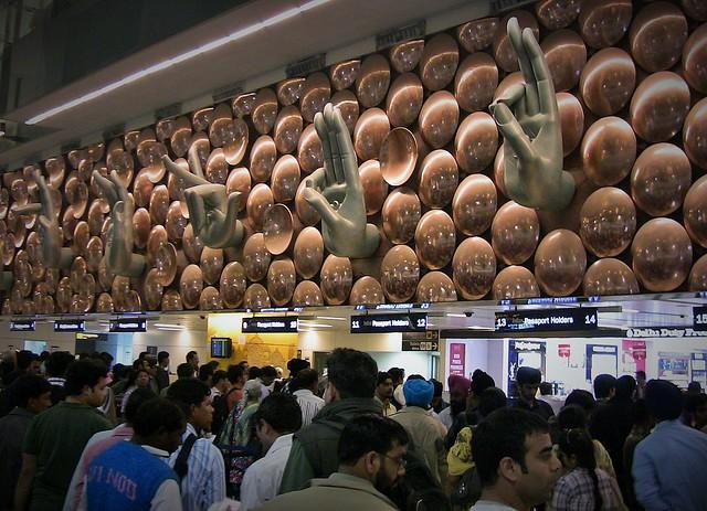INDIEN, Flughafen Neu Delhi, 13001