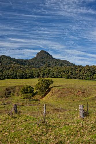 clouds landscape rainforest peak feature qldnswborder thehead wilsonspeak mcphersonrange
