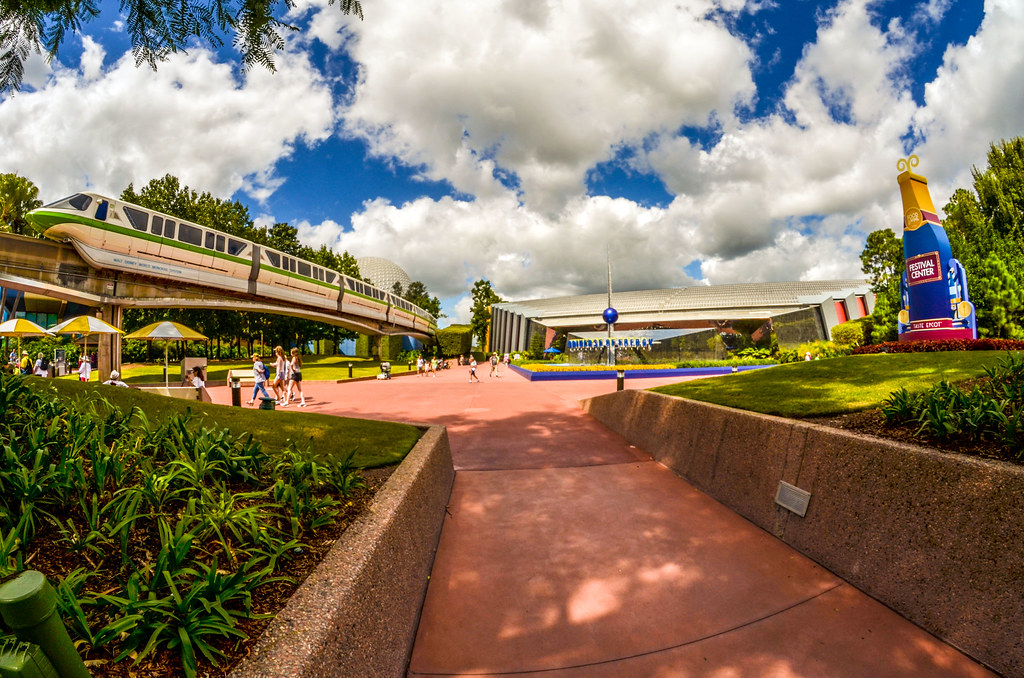 Monorail UoE Epcot