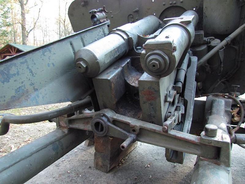 85 mm divisional gun D-44 18