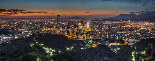 city longexposure autumn sunset urban panorama color building fall horizontal skyline night clouds skyscraper canon landscape cityscape outdoor taiwan nopeople 101 夕陽 taipei nightscene bluehour taipei101 台灣 dramaticsky 夜景 tone 風景 partlycloudy highangle 台北101 capitalcity 1635mm 九五峰 流雲 canoneos5dmarkiii