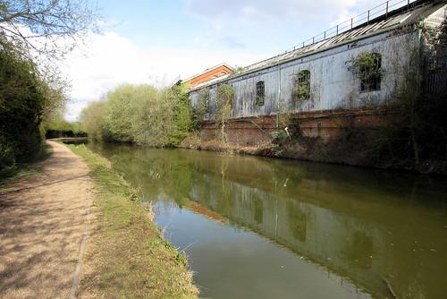 grand union canal warehouse water towpath canon ixus 220hs milton keynes buckinghamshire savefop