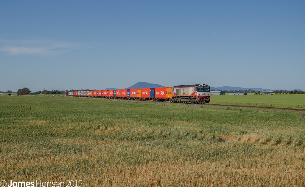 Up SCT containers near Maroona by James Hansen