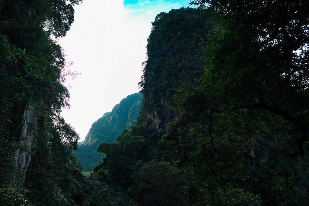 Bích Động pagoda