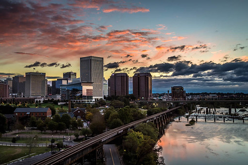 sunrise rva water cityscape capital jamesriver hdr historicalplaces vividcolors virginia skyscrapers history richmond leadinglines skyline morning clouds