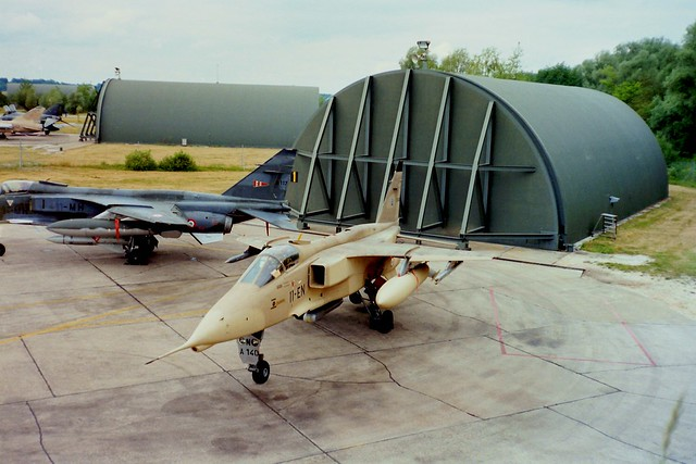 Jaguar-A A-140/11-EN EC-1/11 FAF & Jaguar-A A-117/11-MH EC-2/11. St.Dizier-Robinson Open House, 21-06-1992.