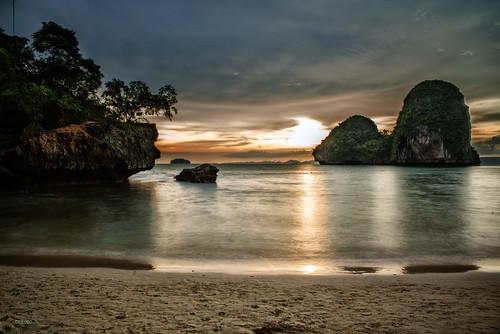 sunset sky beach clouds sunrise asian thailand island atardecer photography photo site amazing asia paradise view place tailandia playa thai turismo krabi cr nang andaman phra turism railay cromeo