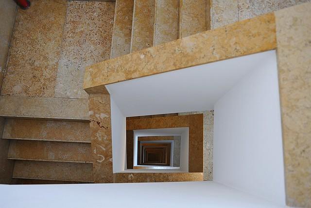 Stiegenhaus Neubau Lissabon