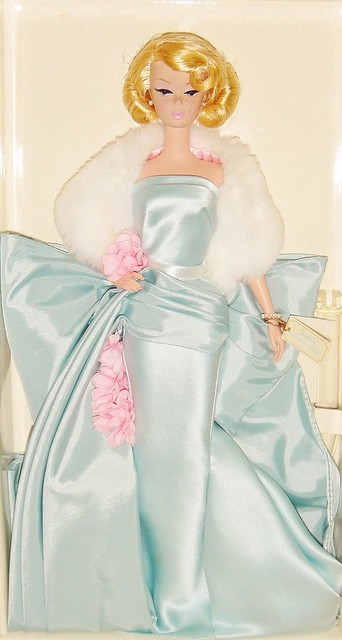 2000 Delphine Barbie (2)