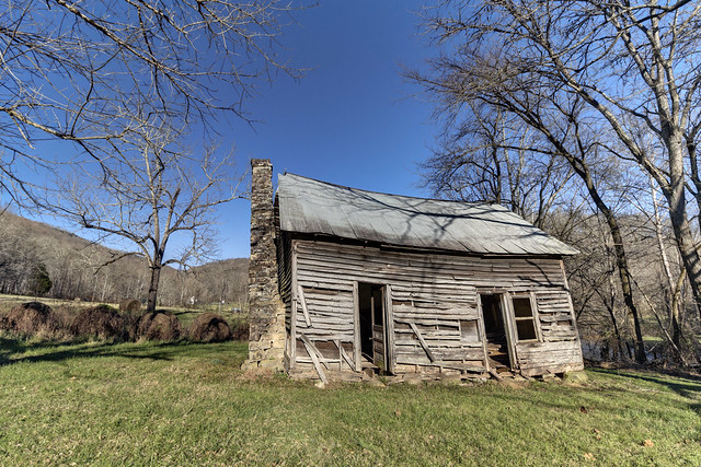 Old home, Devilstep Hollow, Cumberland County, Tennessee