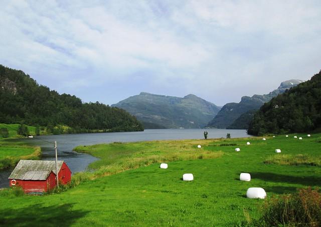 Gjona Lake, Norway 1