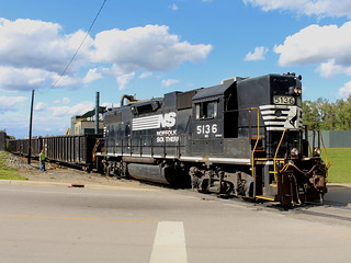 Blue Skies and a High Hood | by CSXT1534