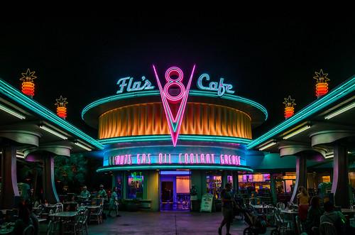 california losangeles neon nightshot disneyland amusementpark symmetrical anaheim martinsmith flosv8cafe nikond7000 nikkor1855mmf3556gvrii