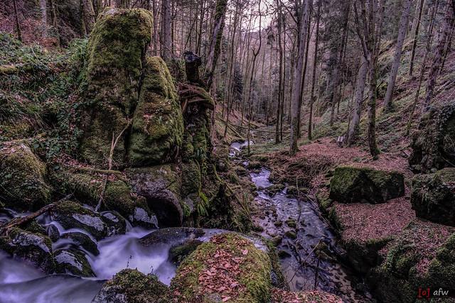 Am Höllbachwasserfall