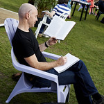 Reading in the Gardens | Enjoying a good book in the sun at the Book Festival © Helen Jones