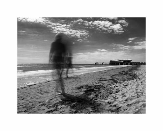 walking ...  spiaggia e mare #2  #lignano #sabbiadoro #friuli #italia #slowshutter
