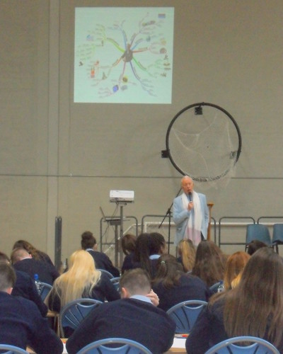 Tony Buzan speaking at Bush Post Primary