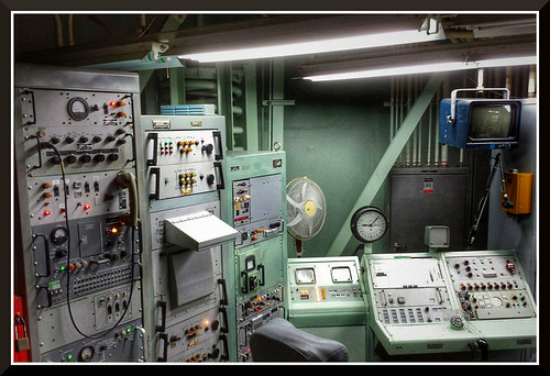 day8 photo foto safari waiting for fire commend launch nuclear rocket from control room titan ii missile station south tucson az