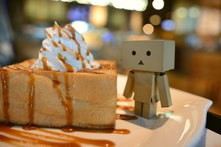 Danbo vs sweetie | by Takashi(aes256)