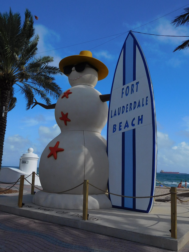 Another Fun Beach Photo Op Giant Snowman With Surfboard