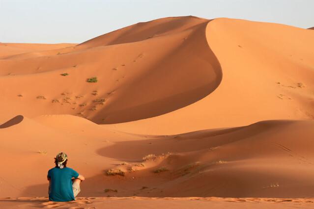 Atardecer y noche en Erg Chebbi, Marruecos