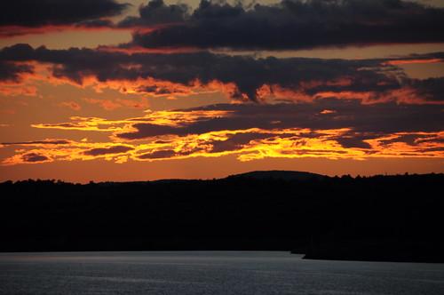 wachusettreservoir clinton massachusetts sunset water