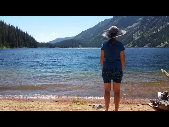 5454 Video of Vicki wading into the icy waters of Emerald Lake