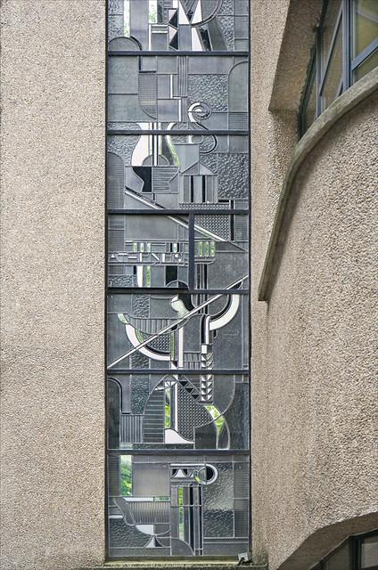 Le vitrail de façade de Louis Barillet (musée Mendjisky, Paris)