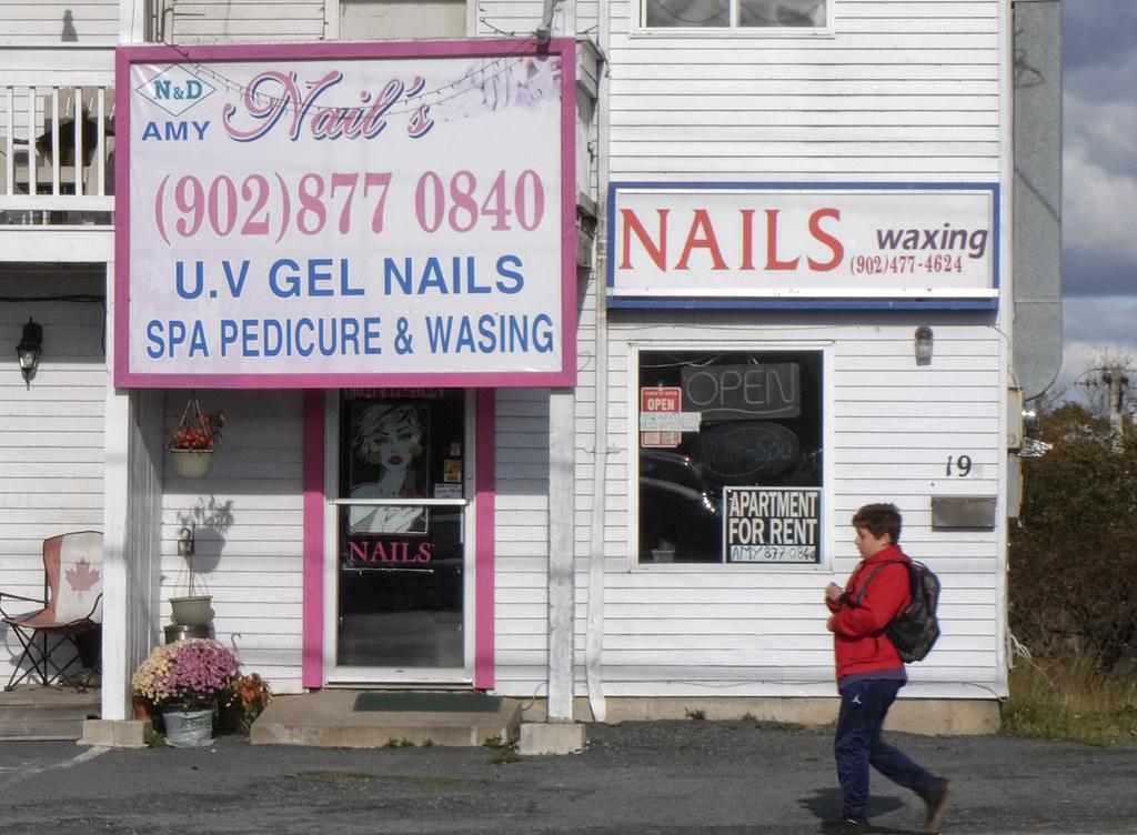 mom-and-pop-waxing-nail-salon