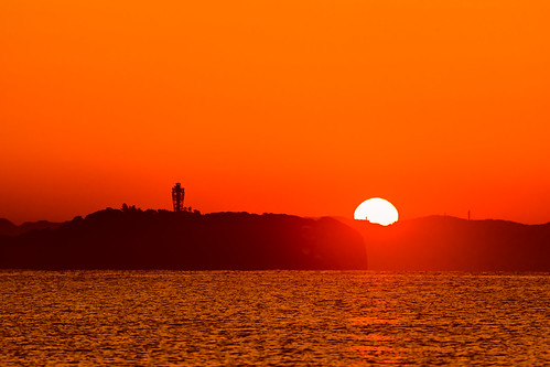 candletower kanagawa magichour islands sunrise sal70300g ilce7m2 japan enoshima ocean chigaski sea