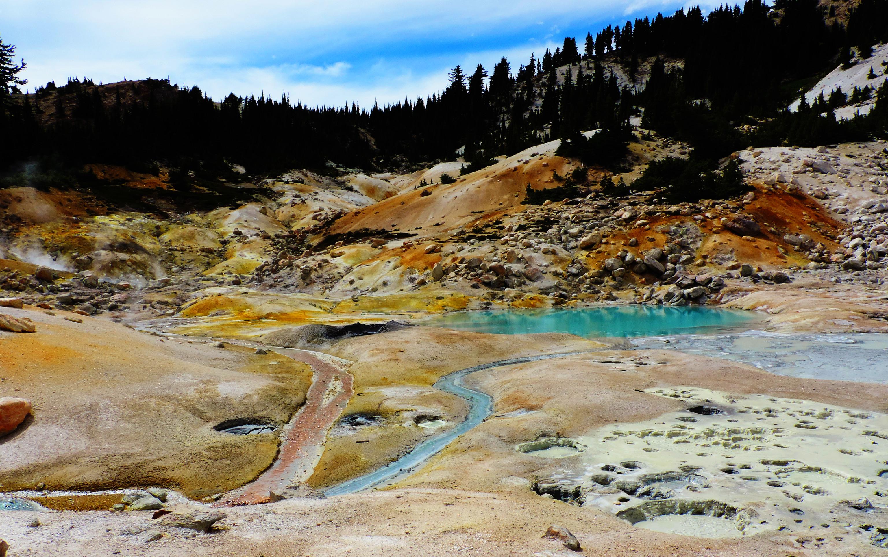 Bumpass Hell, Lassen Volcanic National Park, CA, USA