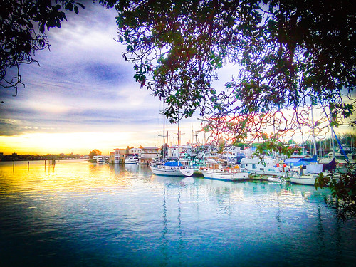 hdr sunrise houseboats yachts harbour westbaymarinevillage yacht marina houseboat