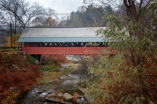 creamerybridge bridge coveredbridge brattleboro vermont whetstonebrook park rain