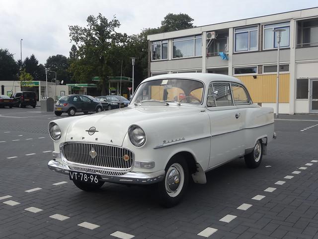 toegift bij de buurtsuper! VT-78-96 Opel Rekord Apeldoorn