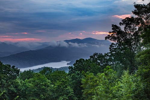 longexposure trees red sky mountains green water fog clouds forest sunrise canon landscape dawn us unitedstates northcarolina lowclouds greatsmokymountains moonshiner fontanadam fierysky us28 fontanalake eos6d