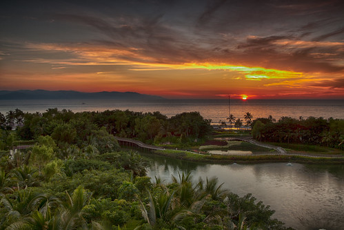 travel sunset vacation holiday beach mexico resort pacificocean nuevovallarta tropical puertovallarta atardecar grandbliss