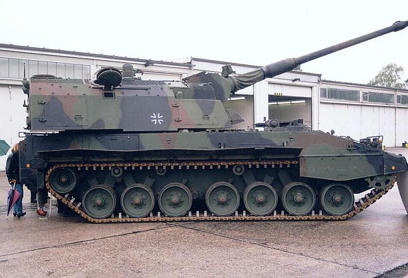 Panzerhaubitze 2000  8