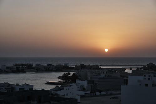 sunset sonnenaufgang bahrain pool