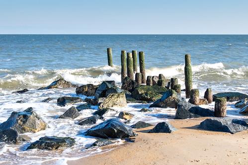 atlanticocean beach capehenlopenstatepark lewes pier seashore sussexcounty water delaware outdoor rocks sand ef35mmf14liiusm
