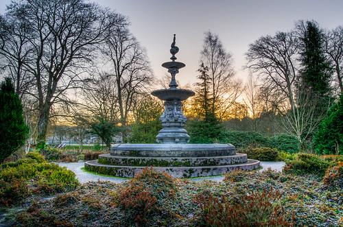 park trees winter sunset fountain statue sunrise frost ornate bushes hawick scottishborders