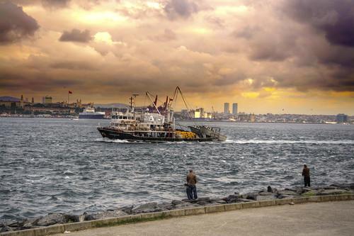 sky weather clouds turkey geotagged coast boat europe day waterfront cloudy outdoor istanbul tur bosphorus goldenhorn sirkeci bosphoras geo:lat=4101327627 geo:lon=2898787737