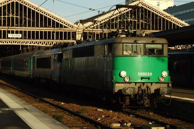 BB-9220 Tours (37 Indre et Loire) 18-11-08a