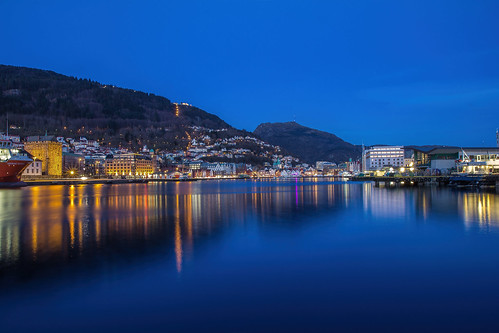 bergen blue bluehour longexposure le midnight evening city cityscape fjord sea water buildings mountains mountainsides nature lights reflections reflection ship sky houses living town tranquil mood canon view beautiful winter exposure eos europa travel urban outdoor panorama abend scenery scandinavia seaside scene dawn farben landscape landschaft colors colour norway norwegen noruega nacht night waterfront pier architecture