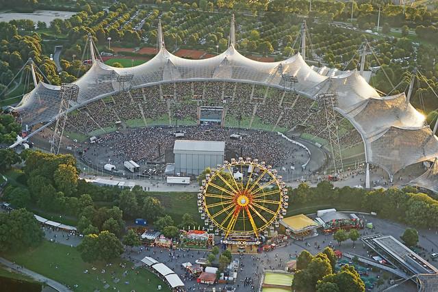 Spectacle dans le stade olympique (Munich)
