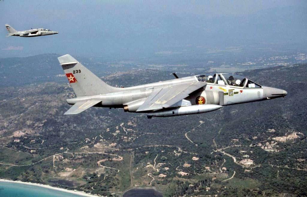 FRA: Photos avions d'entrainement et anti insurrection - Page 9 31342371275_3f9cc69a54_b