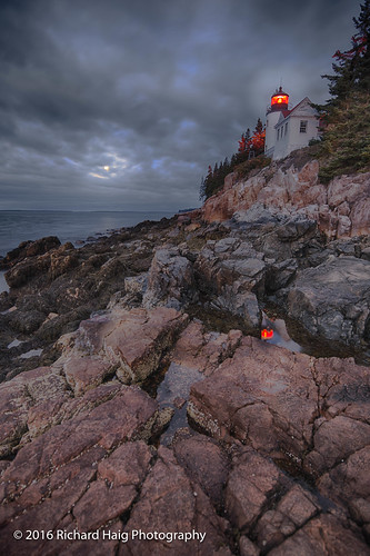 lighthouse landscape nikonnikkor1424mmf28 acadianationalpark me mdi richhaig maine gitzotripod rocks bassharbor atlanticocean bassharborheadlighthouse clouds reflection water barharbor nikond800 fullmoon longexposure nationalpark