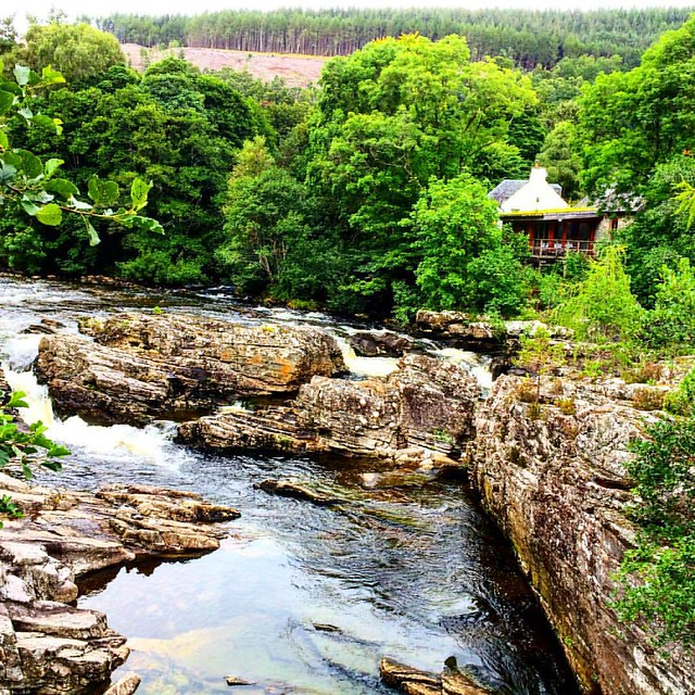 Secluded fall to enjoy ourselves #landscape #landscape_lovers #ig_shotz #ig_scotland #instagram #instagood #photography #photonovato #photographer #phenomenalshot #scotlandlover #scotland #waterfall #waterscape #bestagram #bestoftheday #backpacker_photogr